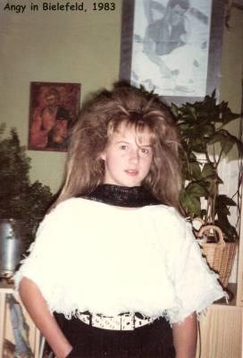 Angy mag gestylte Frisuren - Schulzeit