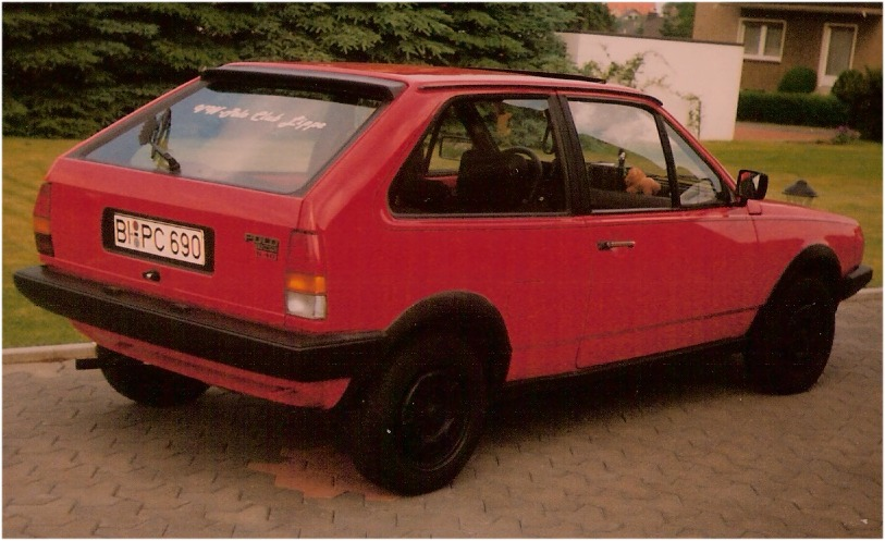 DarkSzene-Copyright - VW-Polo-86c_1990_01.jpg